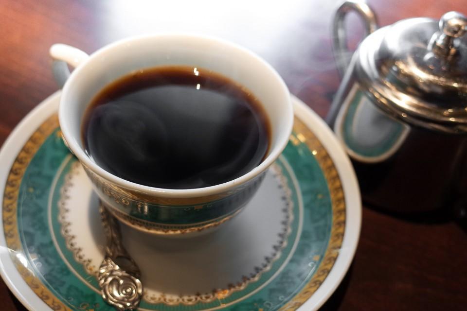 カフェ色内食堂の本格コーヒー